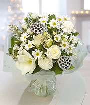 Winter Wonderland, bouquet of white roses and daisies