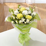 A bouquet of yellows roses and white daisies